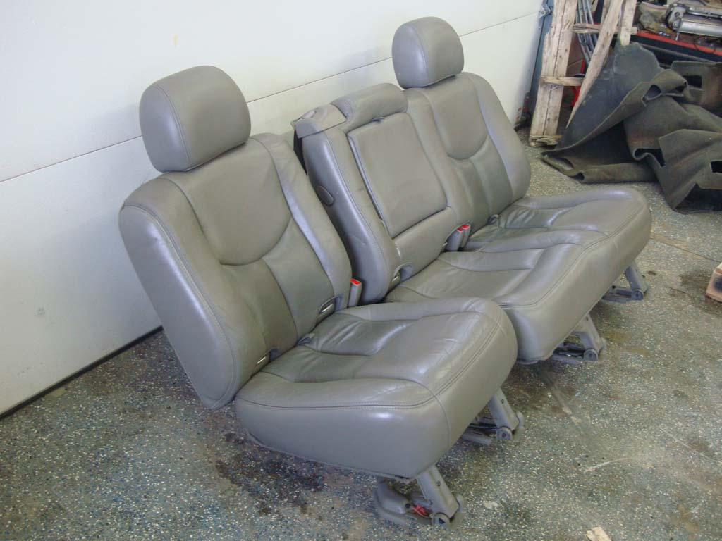 03 06 Yukon Tahoe Escalade Rear Seats 2nd Row 60 40 Bench