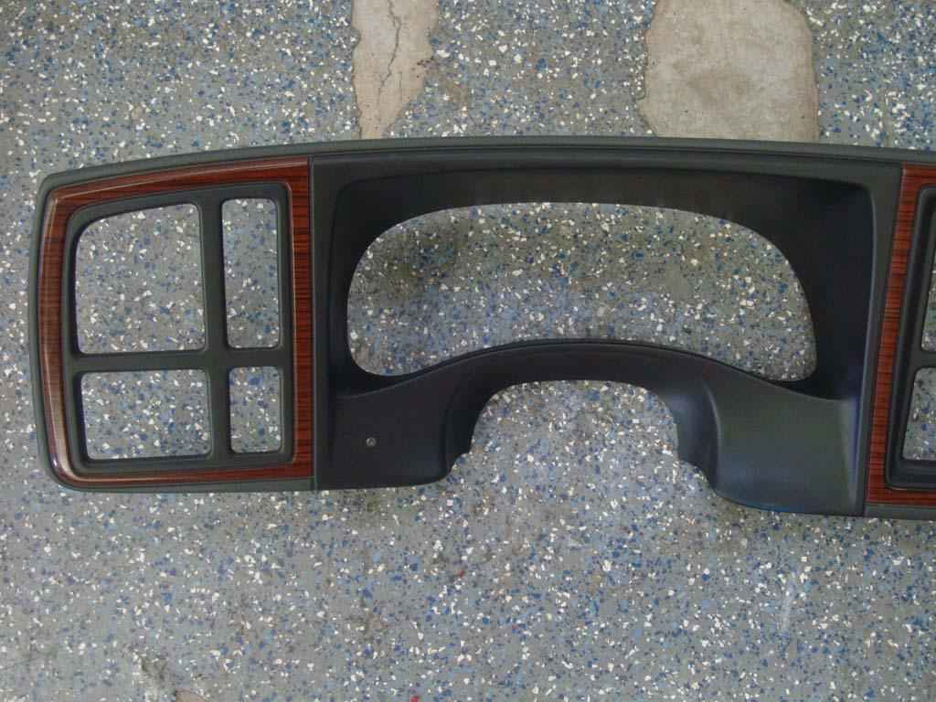 03 to 06 Escalade Silverado Sierra Dash Instrument Cluster Bezel 15073674 OEM